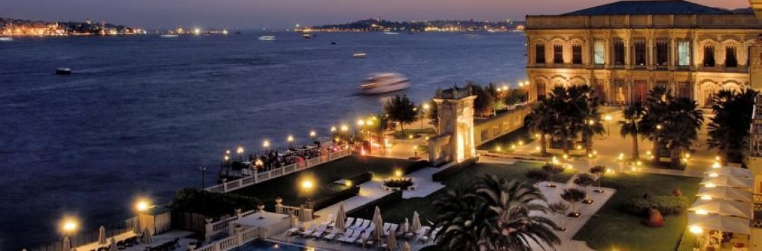 Dinner in Çırağan Palace and Yacht Laser Light Marriage Proposal / VIP Package