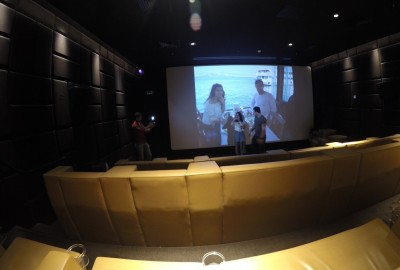 Surprise Marriage Proposal in Cinema - 880