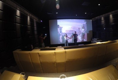 Surprise Marriage Proposal in Cinema - 872