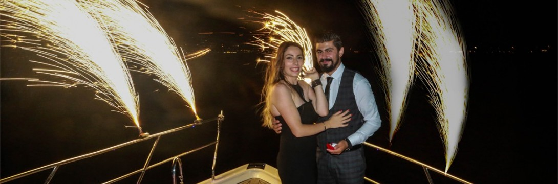 Yacht Tour and Color Laser Marriage Proposal / 2-Hour Eco Package with Dinner