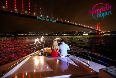 Color Laser Light Marriage Proposal in the Bosphorus - 1030