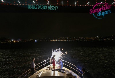 Color Laser Light Marriage Proposal in the Bosphorus - 1033