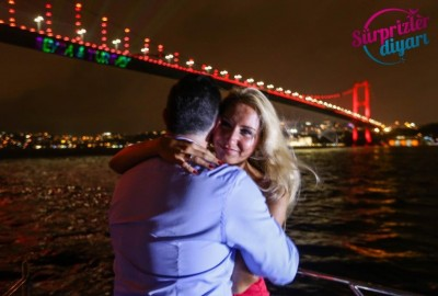 Color Laser Light Marriage Proposal in the Bosphorus - 1035