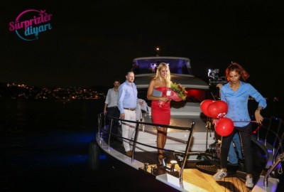 Color Laser Light Marriage Proposal in the Bosphorus - 1037