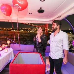 Yacht Tour and Marriage Proposal with Color Laser / 1 Hour Eco Package with Dinner