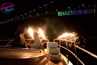 Color Laser Marriage Proposal in the Bosphorus - 1106