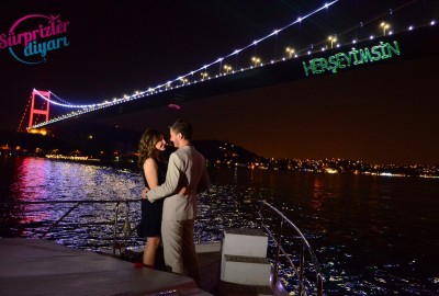 Color Laser Marriage Proposal in the Bosphorus - 1108