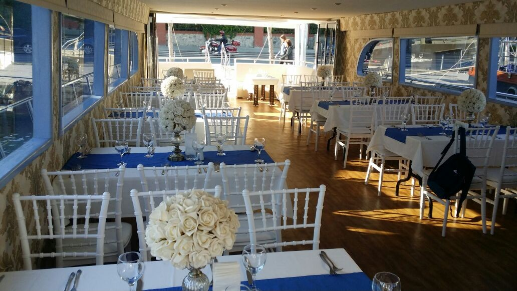 Wedding & Invitation Organizations on Yacht