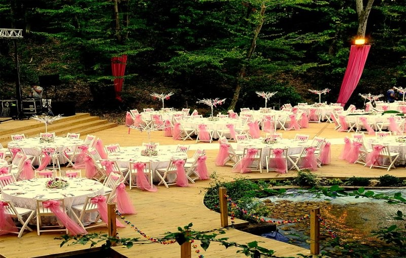 Countryside Wedding in Indian Garden