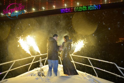 Color Laser Marriage Proposal in the Snow in the Bosphorus - 1473