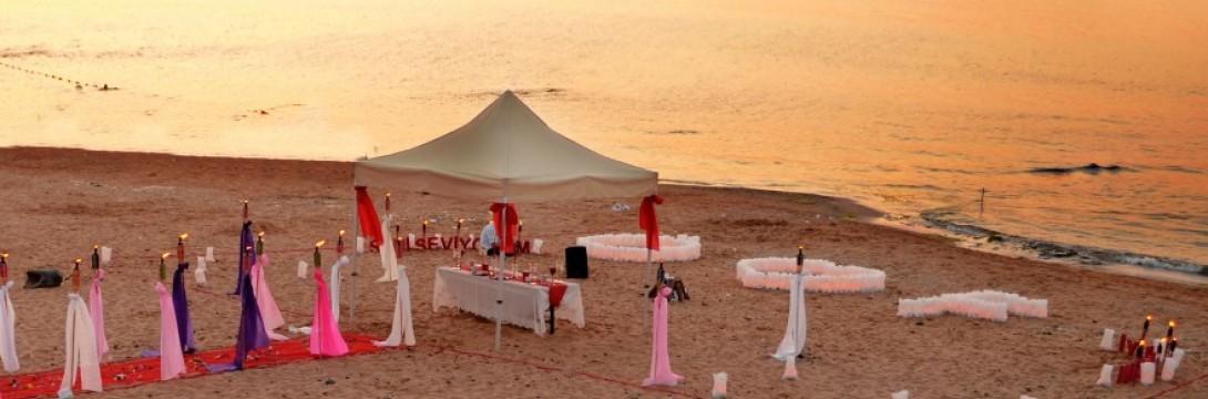İzmir Kumsalda Evlilik Teklifi
