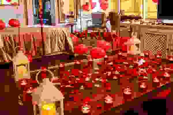 Marriage Proposal at İzmir Hotel