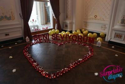 Çırağan Sarayı'nda Romantik Evlilik Teklifi - 2040
