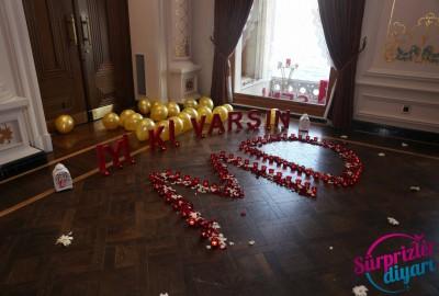 Çırağan Sarayı'nda Romantik Evlilik Teklifi - 2041