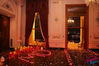 Çırağan Sarayı'nda Romantik Evlilik Teklifi - 2055