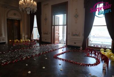 Çırağan Sarayı'nda Romantik Evlilik Teklifi - 2038
