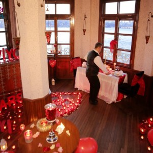 Marriage Proposal by Reserving the Maiden's Tower Bar / Eco Package