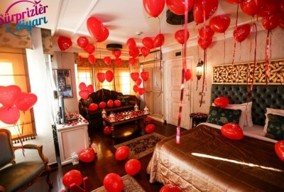 Marriage Proposal at a Hotel - 711