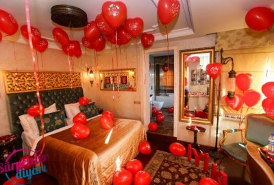 Marriage Proposal at a Hotel - 698