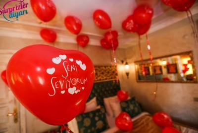 Marriage Proposal at a Hotel - 700