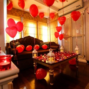 Marriage Proposal in a Boutique Hotel with Warmth of Home